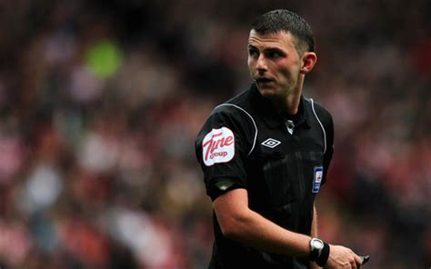 Michael Oliver referee