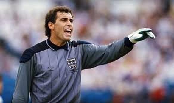 Footballers who have played in 4 decades