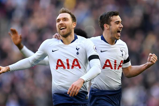 Tottenham shirt sponsorship deal with AIA