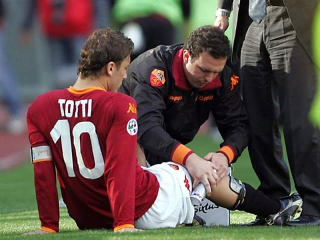 Totti ACL injury