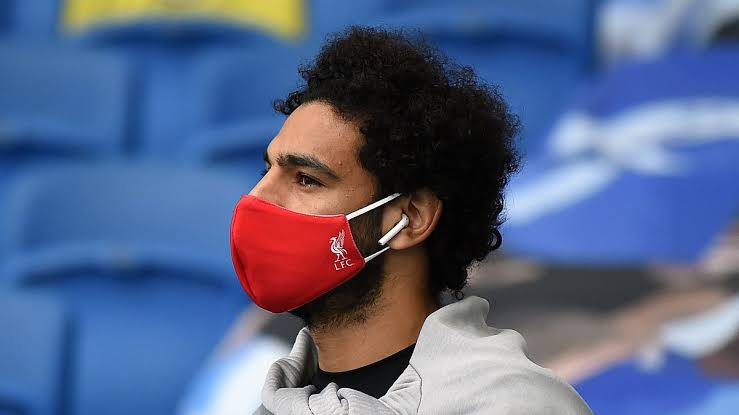 Why Footballers wear mask