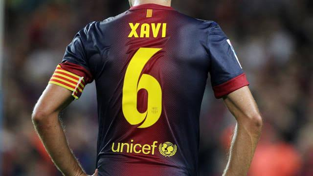 Xavi Hernández Famous Football Players Who Wore Number 6 Jersey
